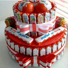 Birthday Gifts For Girls, Diy Birthday, Corona Cake, Friendship Day Gifts, Candy Cakes, Birth Gift, Chocolate Bouquet, Candy Bouquet, Nutella
