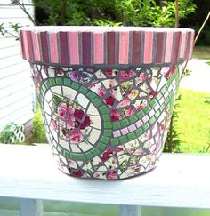 PieceMaker Mosaic Artists: Artist of the Week-CMKSkulptures2 Love the vertical tiles around the pot rim...