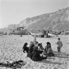 Praia da Nazaré, Portugal by Biblioteca de Arte-Fundação Calouste Gulbenkian, via Flickr