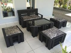 The black and white tiger print fabric used for the seat clothing is looking perfect with the black colored pallets of the furniture set. The pallets can be painted with any other color if the person wants to create the upcycled wood pallet furniture set according to a theme.