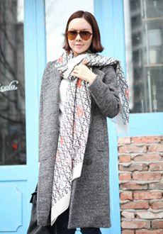 Today's Hot Pick :时尚潮流可爱龙虾印花围巾 http://fashionstylep.com/SFSELFAA0010824/min3111cn/out 每个女人都应该拥有一条属于自己的丝巾——没有哪种配饰能比围巾来的更有气场,调动不一样的时尚元素,在方寸间反复调试美的不同可能,这个季节,做最美丽的气场女王,总是离不开围巾的演绎~它是一年四季的百搭魔品,这个季节,你应该拥有这样一款专为您而打造的时尚围巾~ -围巾- -龙虾印花- -柔软舒适- -时尚百搭-