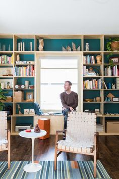 Goes nicely with light wood cabinets (Thomas' Cozy & Creative DIY Minneapolis Retreat — House Tour) Retreat House, Appartement Design, Teal Walls, Piece A Vivre, Color Psychology, Rustic Design, House Colors, Decoration, Apartment Therapy