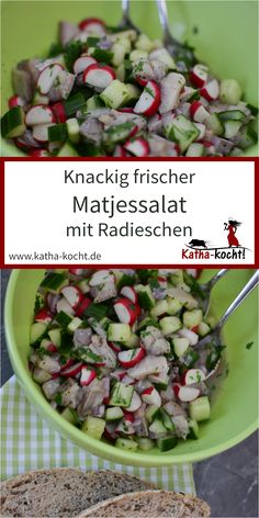 My crispy fresh matja salad with radishes is not only quick to make, it also fits wonderfully as a cold dinner or as a hangover breakfast. The best way to serve the spicy salad is pure or with a little black bread – the recipe is here on katha-kocht! Radish Recipes, Detox Recipes, Fruit Recipes, Pork Recipes, Salad Recipes, Vegetarian Recipes, Crockpot Recipes, Healthy Recipes, Smoked Beef Brisket