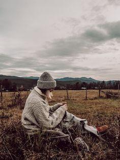 RKNITS SKÅBU NEULEOHJE | YKSINKERTAINEN GANNI KUVIO VILLAPAITA OHJE | Reetta Pelli Drops Design, Cowboy Hats, Knitting Patterns, Knit Crochet, Winter Hats, Handmade, Photography, Instagram, Winter Clothes