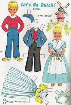(⑅ ॣ•͈ᴗ•͈ ॣ)                                                           paper dolls