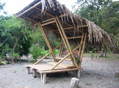This beautiful Guadua bamboo house in Costa Rica, is located near Playa Sombrero at the Osa Peninsula. The bamboo house was designed and built by Costa Rican architect Mariela Garcia and her husband Steve Jurries. Bamboo Art, Bamboo Crafts, Bamboo Garden, Bamboo Ideas, Garden Pond, Easy Garden, Bamboo Building, Natural Building, Backyard Garden Design