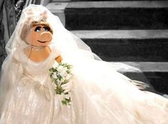 Vivienne Westwood ontwerpt trouwjurk voor Miss Piggy
