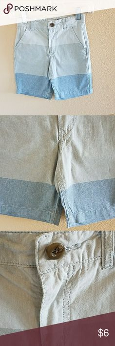 Old Navy Tri Color Boys Shorts Size 6 Very Handsome Old Navy Boys Tri Color Shorts size 6. Two pockets on front and one buttoned pocket on back. Button at waist but just for looks, there is a hook and zip closure. Adjustable Tab Waist. Excellent condition worn twice Old Navy Bottoms Shorts