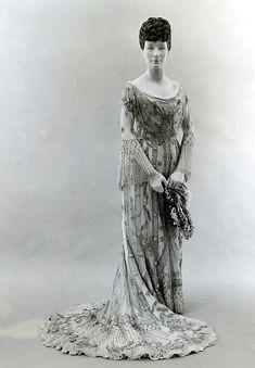 Evening dress   1907 Culture:European Medium:[no medium available]