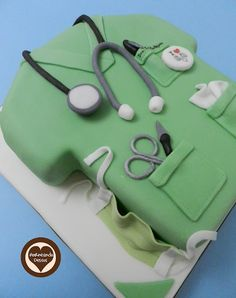 surgeon cake by horneandodeseos Can I please have this cake when I graduate? Cakes For Men, Cakes And More, Medical Cake, Doctor Cake, Novelty Cakes, Occasion Cakes, Cake Tutorial, Cute Cakes, Creative Cakes
