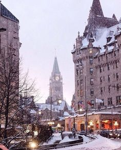 Its winter wonderland in Ottawa today as the snow is still falling. Thanks to @littlemissottawa for this lovely share of the Fairmont Chateau Laurier and the Parliament buildings Peace Tower! #MyOttawa #DiscoverON #ExploreCanada by ottawatourism