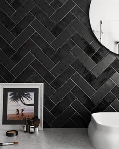 Country Anthracite, Anthracite Mate Contemporary bathroom design with traditional black wall tiles. Black Wall Tiles, Black Brick Wall, Black Walls, Küchen Design, Tile Design, Interior Design, Herringbone Wall Tile, Toilette Design, Mosaic Bathroom