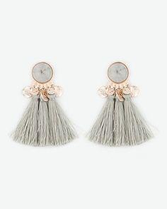 Beautiful Jewelry Tassel Earrings - Complete your look with these cool tassel earrings. - Tassel Earrings - Complete your look with these cool tassel earrings. Rose Gold Earrings, Statement Earrings, Women's Earrings, Gold Necklace, Silver Necklaces, Jewelry Accessories, Fashion Accessories, Jewelry Design, Modern Jewelry
