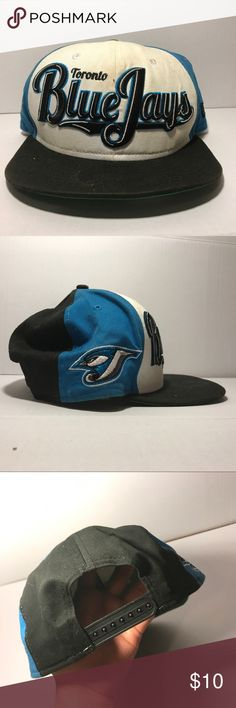 Toronto BlueJays Snapback - Size OS Toronto BlueJays Snapback | Decent Condition | Dirty (Cleanable) | Bleach Stain (On the Inside Only) | Baseball Hat Lids Accessories Hats