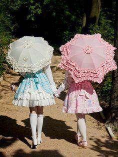 I want a lolita friend to do this with Harajuku Mode, Harajuku Fashion, Kawaii Fashion, Lolita Fashion, Cute Fashion, Asian Fashion, Gyaru, Visual Kei, Filles Alternatives