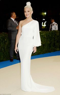 Bleached and beautiful: Kate Hudson was majestic in her white Stella McCartney gown...