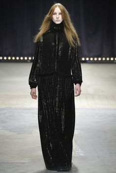 Veronique Branquinho | Fall 2016 Ready-to-Wear Collection | Vogue Runway