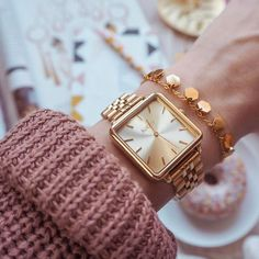 Image shared by Just trendy girls. Find images and videos about watches on We Heart It - the app to get lost in what you love. Elegant Watches, Stylish Watches, Beautiful Watches, Luxury Watches, Cool Watches, Dream Watches, Casual Watches, Cheap Watches For Men, Gold Watches Women