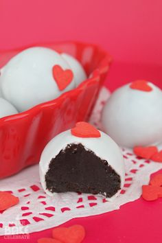 Oreo Truffles - So making these for Valentines Day!