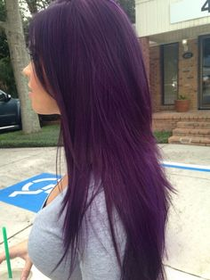 Dark Purple Hair Color Ideas - Fashion Is My Crush Do you want dark purple hair color? We have pictures of Amazing Dark Purple Hair Color Ideas that will inspire the purple diva in you! Dark Purple Hair Color, Cool Hair Color, Dark Violet Hair, Violet Hair Colors, Purple Lilac, Nice Hair Colors, Hair Color Ideas For Dark Hair, Dark Plum Hair, Short Purple Hair