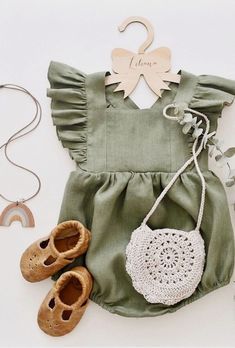 Little one rompers! Come across a very large number handmade, old, and distinct … – Cute Adorable Baby Outfits Baby Outfits, Outfits Niños, Little Girl Outfits, Little Girls, Kids Outfits, Newborn Outfits, Handgemachtes Baby, Baby Kind, Baby Love