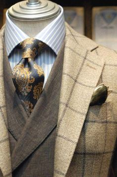 men suits 2017 -- Click visit link to see more men's suits Modern Gentleman, Gentleman Style, Mens Attire, Mens Suits, Suit Fashion, Mens Fashion, Fashion Menswear, Luxury Fashion, Suits You Sir