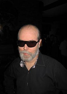 Doug Coupland Rocking Shades - October 2010 Wayfarer, Ray Bans, October, Mens Sunglasses, Shades, Inspiration, Image, Style, Fashion