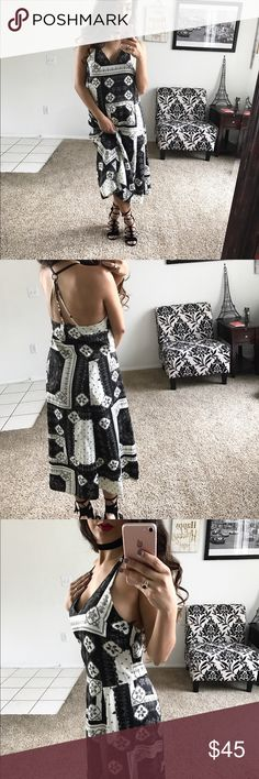 • Topshop Maxi Dress • This flowy dress has a strappy back, v-neckline, & lightweight fresh material. I'm 5'3 & it fits me above the ankles.   • Ask all questions prior to purchase • Bundle & save  • Feel free to make your best offer! Topshop Dresses Maxi