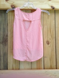 Summer Salmon Top with Open Back    [url]: http://www.vinted.com/sh/clothes/16724162-summer-salmon-top-with-open-back