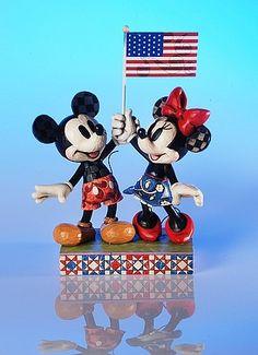 "*MICKEY & MINNIE ~ Heartwood Creek by Jim Shore Disney Traditions ""Goodwill Ambassadors"" Patriotic Mickey and Minnie Specifications Disney Pins, Disney Stuff, Disney Mickey, Disney Statues, Disney Figurines, Mickey Mouse Bedroom, Disney Traditions, Disney Concept Art, Disney Dolls"
