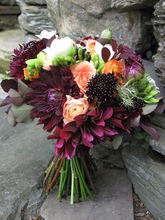 Burgundy And Peach Wedding Flowers At The Round Barn | Floral Artistry By Alison Ellis