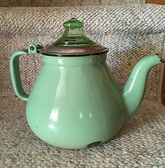"Very Vintage Green Enamel Coffee Percolator w/vaseline Knob & ""Guts"" in Antiques, Primitives 
