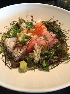 Assorted sashimi on the rice
