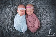 teal and pink twin newborn photographer