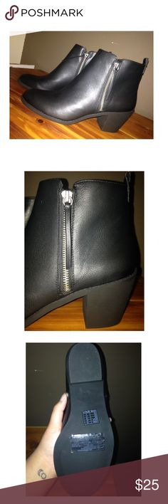 Black Forever21 Ankle Boots Black Forever21 Ankle Boots. Brand new, never worn. Selling them because they're too small. Size 10. Forever 21 Shoes Ankle Boots & Booties