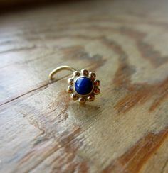 Bloom Gem : Gold Nose Ring .. Lapis Nose Stud .. 3mm Gemstone .. 14k gold nose jewelry .. Aprilsblissed .. Nosebling
