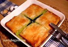 Kakukkfű: Spenótos-fetás görög lepény Gourmet Recipes, Vegetarian Recipes, Cooking Recipes, Healthy Recipes, Burek Recipe, Lebanese Salad, Quiche Muffins, Vegas, Hungarian Recipes