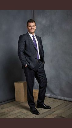 Searching for Seeley Booth Bones Actors, Seeley Booth, Hot Vampires, Neil Patrick Harris, David Boreanaz, Evolution Of Fashion, Mens Fashion Suits, Male Fashion, Alyson Hannigan
