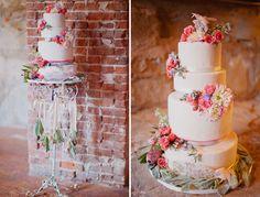 Kake med pene blomster