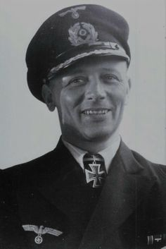 "Kapitänleutnant Adolf Piening (1910-1984), Kommandant Unterseeboote ""U 155"", Ritterkreuz 13.08.1942"