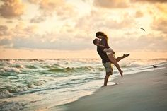 beach engagement session in the Florida panhandle by aislinnkate.com