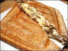 Croque-monsieur à l'œuf brouillé, champignons et emmental #recette #fromage #facile