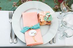 солнечная, сервировка стола, рассадочные карточки, бонбоньерки