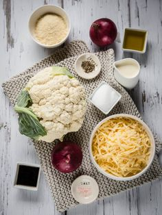 This Keto Cauliflower Au Gratin is the perfect comfort food side dish. It goes perfectly with steak, chicken, pork and even seafood. Baked Eggs With Chorizo, Whole Food Recipes, Keto Recipes, Slow Cooker Pork Tenderloin, Roasted Radishes, Low Carb Vegetables, Veggies, Low Carb Side Dishes, Dinner Dishes