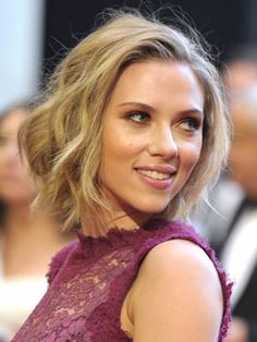 Loose, yet cropped waves are perfect for a sexy, sassy look.