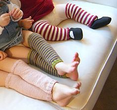 Free knitting pattern for baby and toddler legwarmers Knitting For Kids, Baby Knitting Patterns, Knitting Socks, Free Knitting, Knitting Projects, Baby Patterns, Simple Knitting, Knitting Tutorials, Loom Patterns