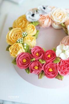 봄향기 가득담고온 플라워케이크 by.나나 색감을 보기만해도 너무나 상큼한 나나케이크입니다^^ 이번케익은...