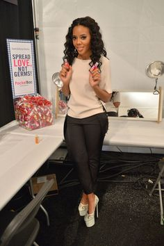 Angela Simmons, outfit the hair. Killing it!!