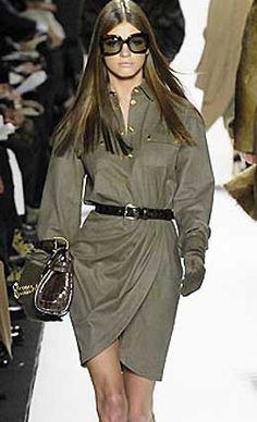 Это шикарное платье в стиле милитари станет настоящей находкой в прохладную погоду. Выкройка платья в стиле милитари идеально сидит по фигуре. Выкройка платья...