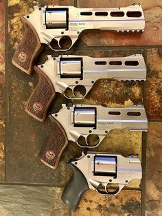 Weapons Guns, Airsoft Guns, Guns And Ammo, Rhino Revolver, Revolver Pistol, Steampunk Weapons, Home Design, Cool Guns, Lame